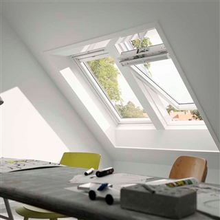 Velux 780mm X 980mm White Poly Finish Centre Pivot Roof